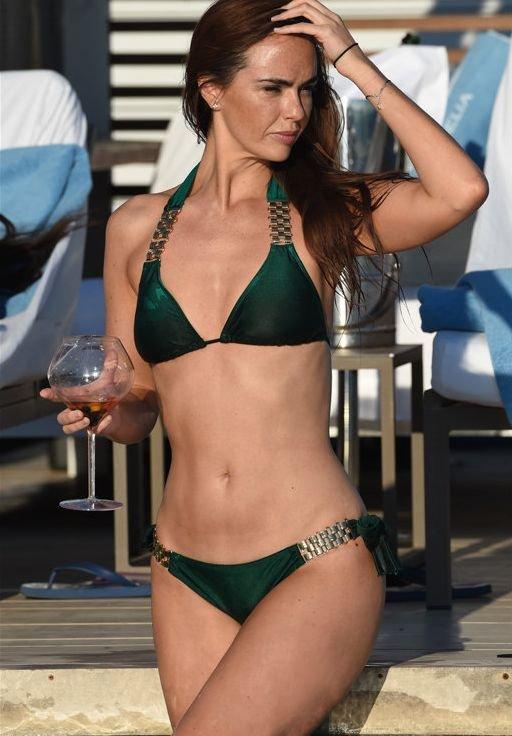 Jennifer Metcalfe Sexy New Pics 6
