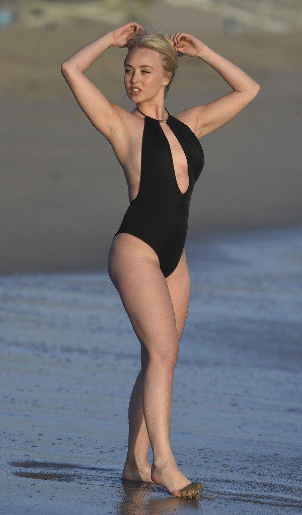 Jorgie Porter Sexy (7 Photos)