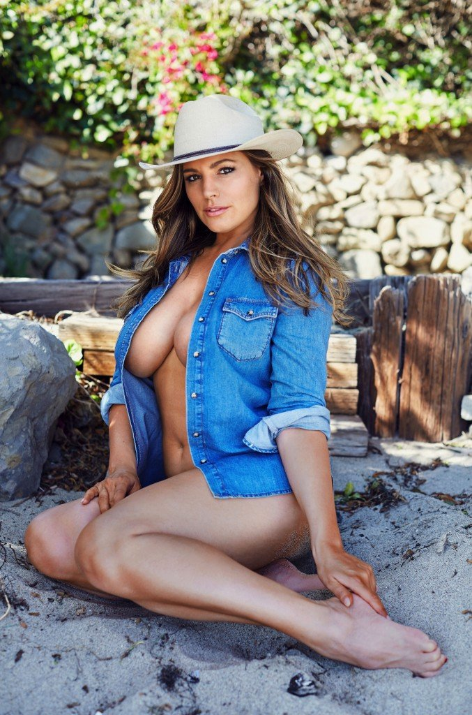 Kelly Brook Sexy (6 Hot Photos)
