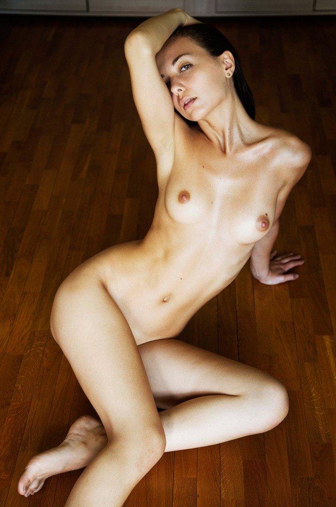 Klaudia Brahja Naked 1