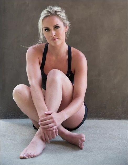 Lindsey Vonn Nude & Sexy 7