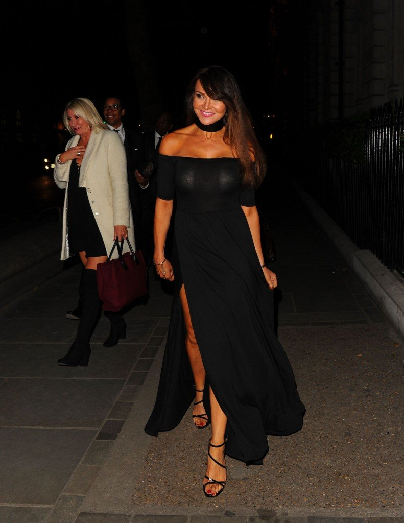 Lizzie Cundy Without Panties 11