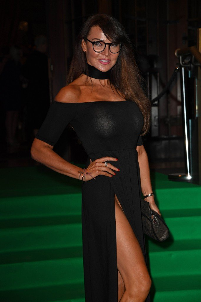 Lizzie Cundy Without Panties 12