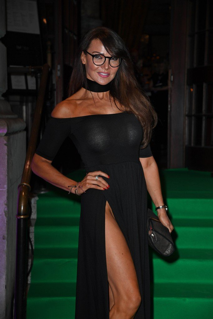 Lizzie Cundy Without Panties 13