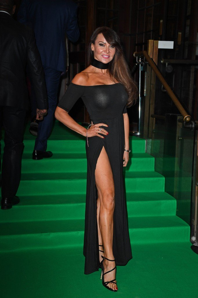 Lizzie Cundy Without Panties 16