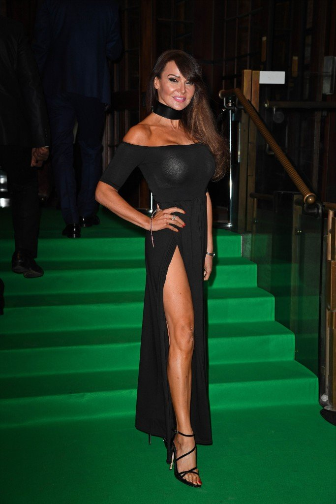 Lizzie Cundy Without Panties 17