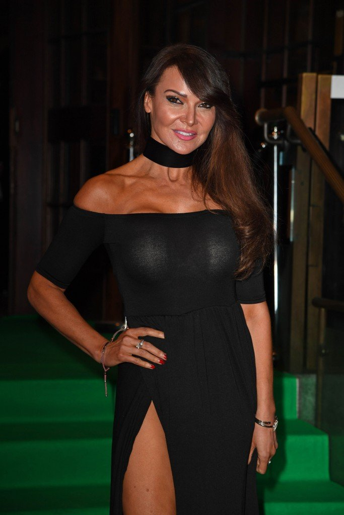Lizzie Cundy Without Panties 18