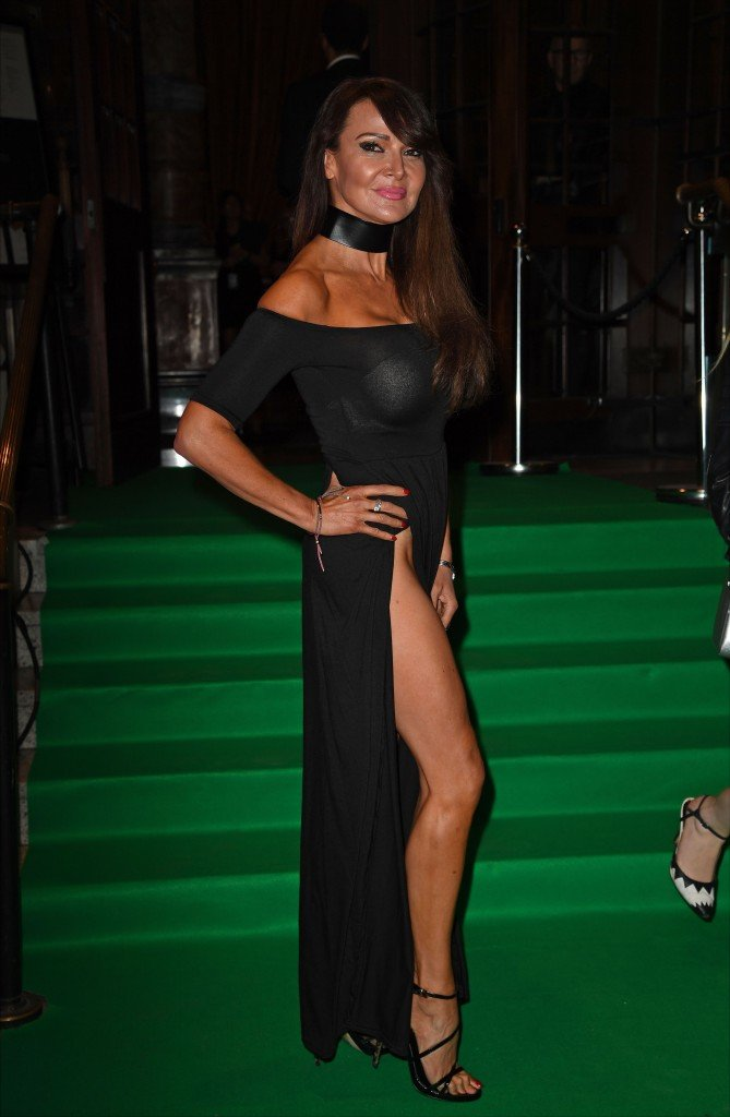 Lizzie Cundy Without Panties 19