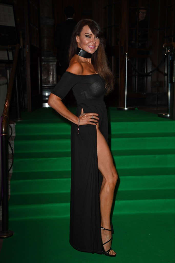Lizzie Cundy Without Panties 20