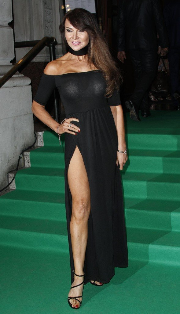 Lizzie Cundy Without Panties 22