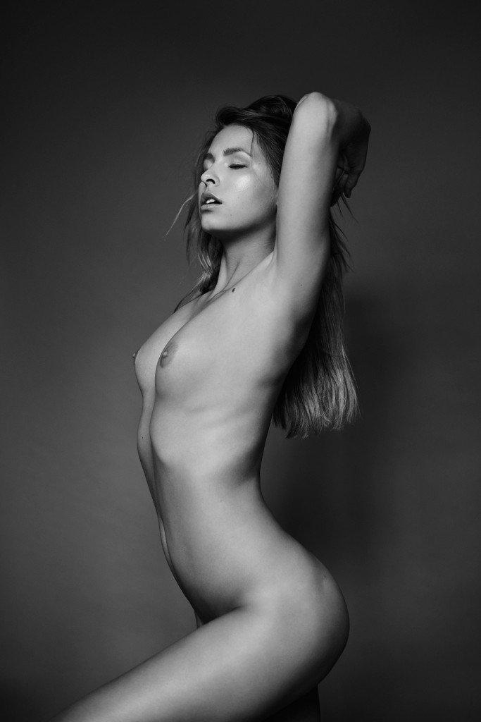Marisa Papen Naked (9 Photos)