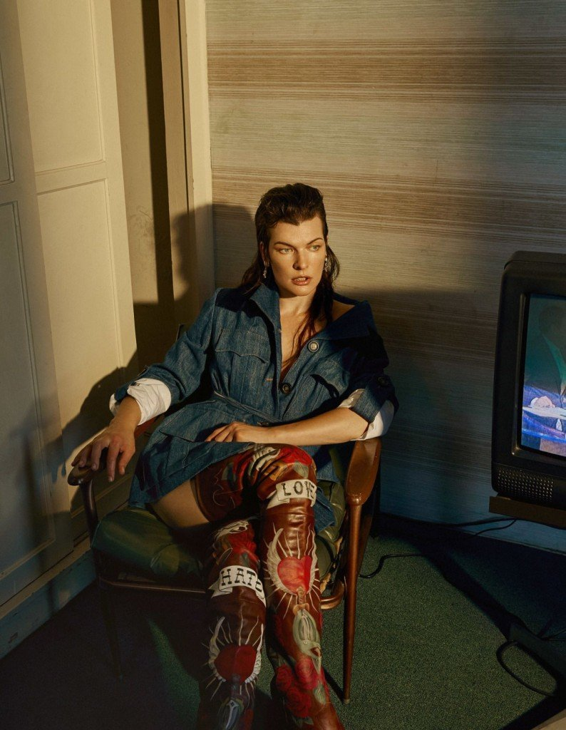 Milla Jovovich Sexy (8 Photos)