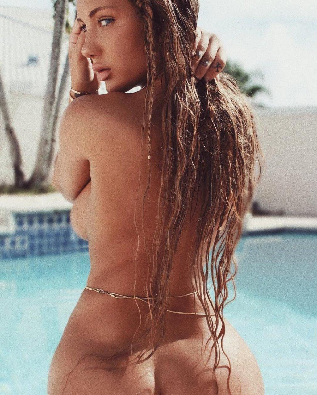niykee heaton topless