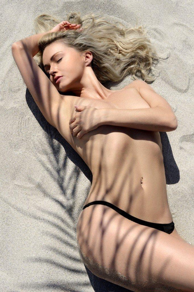 Ola Jordan Topless (4 Photos)