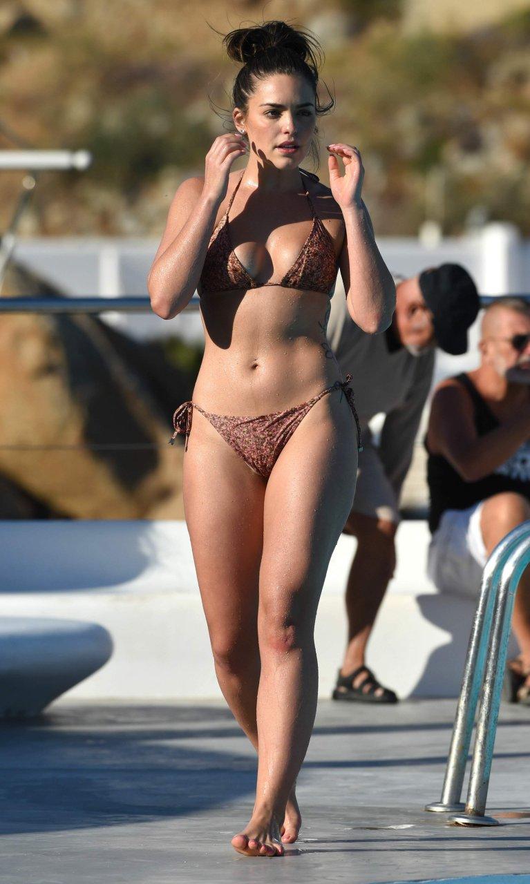 hot bikini celeb