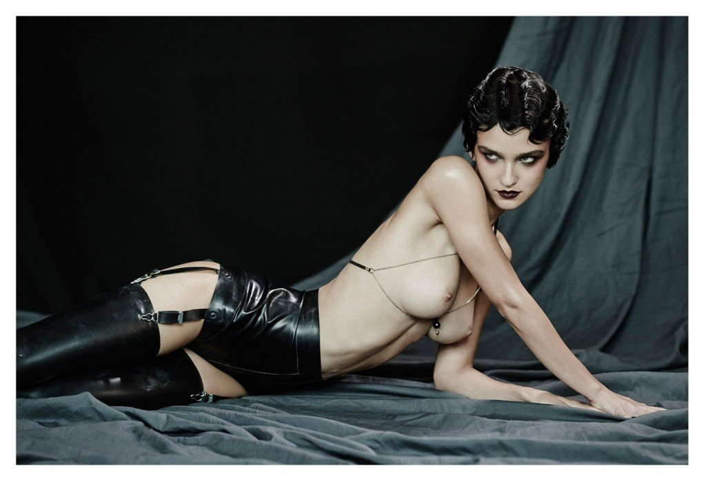 Paula Bulczynska Topless & Sexy 9