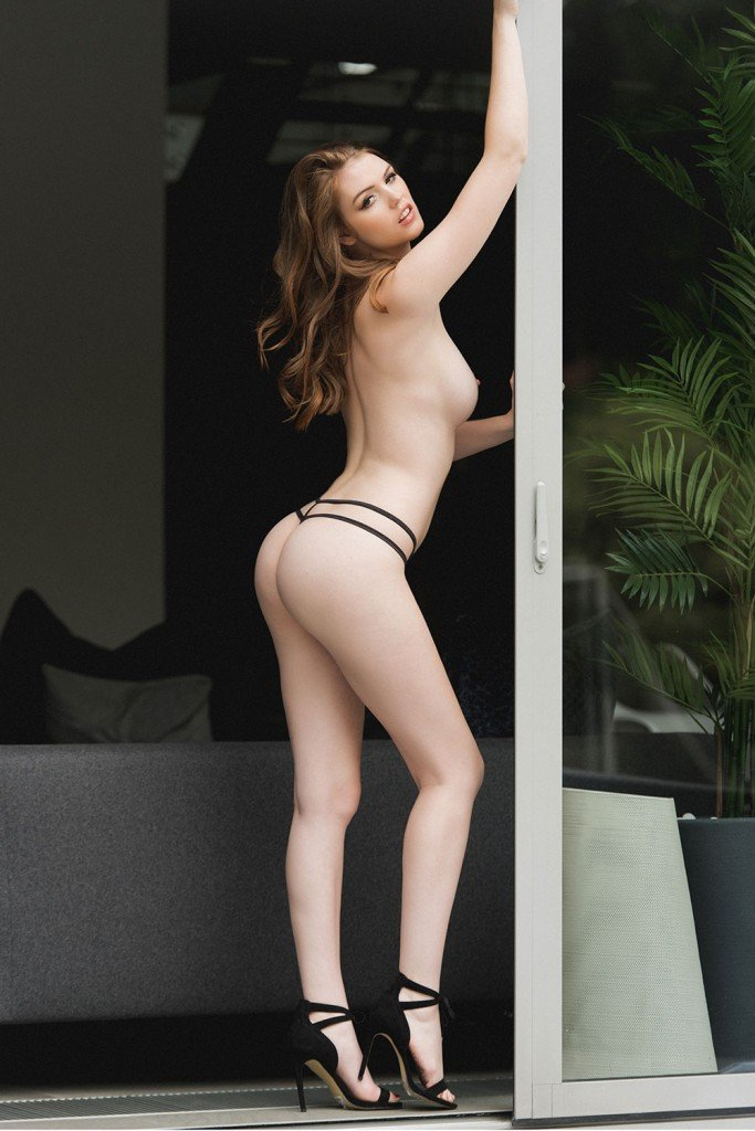 October's sexiest unseen Page 3 pics