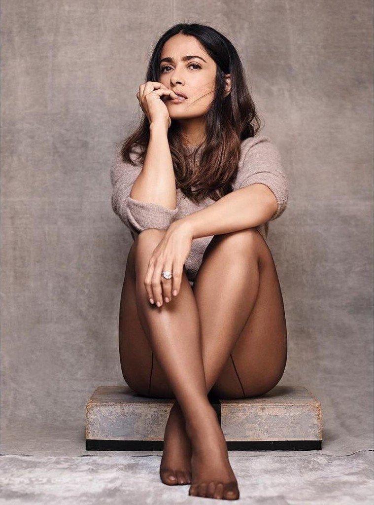 Salma Hayek Sexy (2 Photos)
