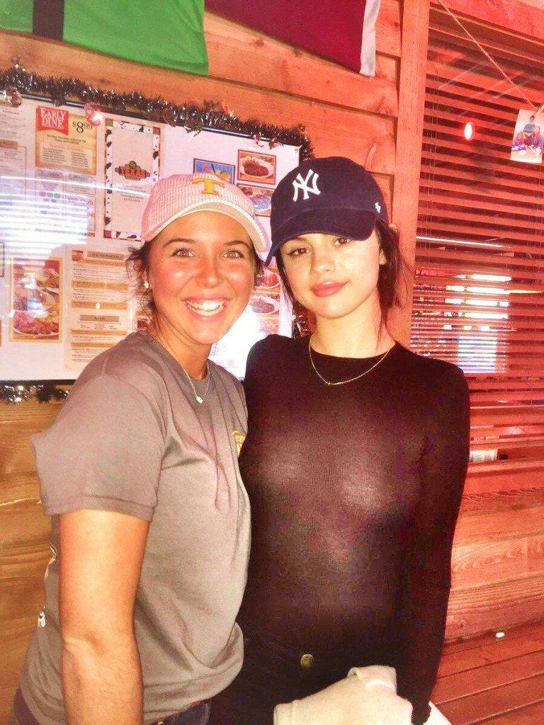 Selena Gomez Braless (3 New Photos)