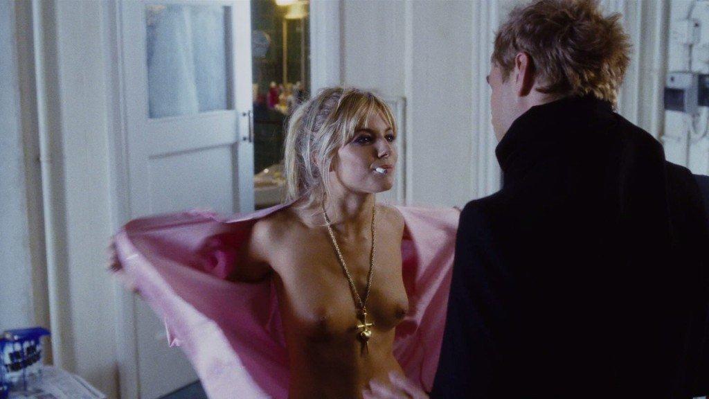 Sienna Miller Nude 6