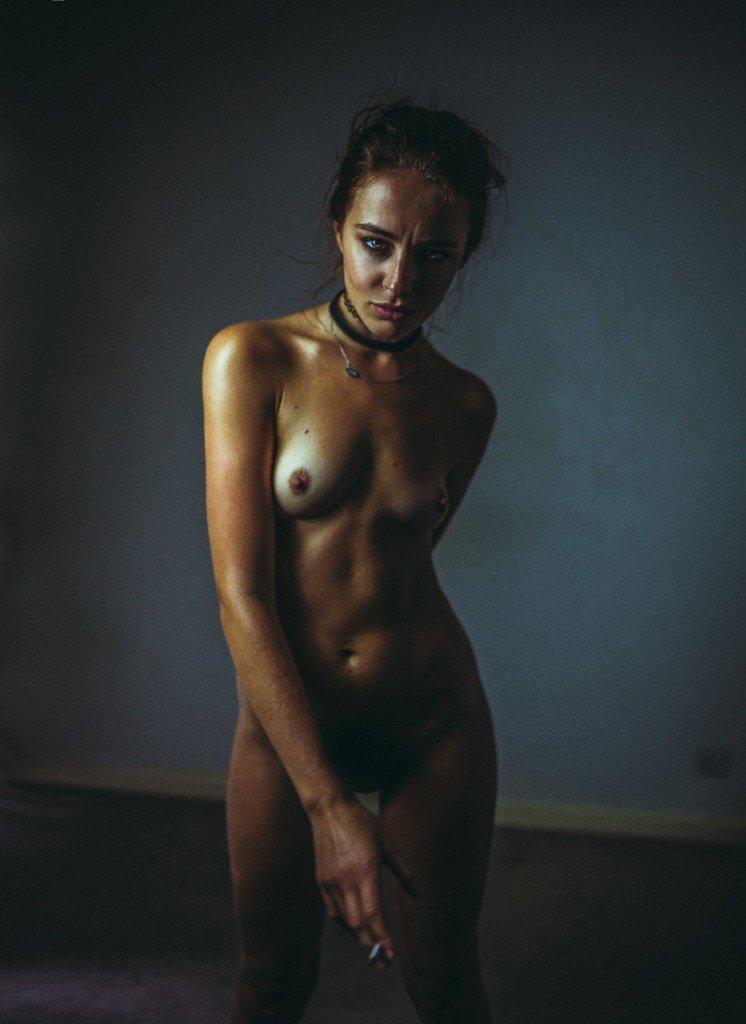 Tess Georgia Dimos Nude 14
