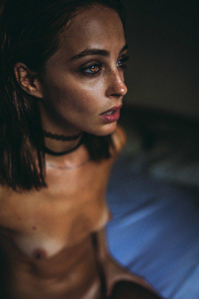Tess Georgia Dimos Nude 16
