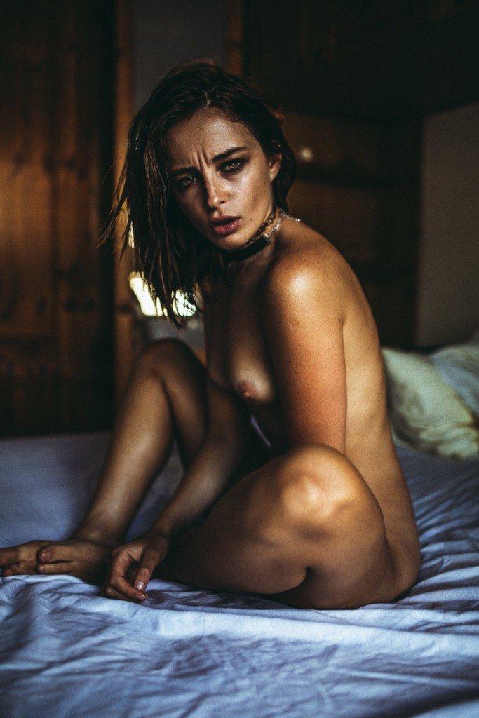 Tess Georgia Dimos Nude 26