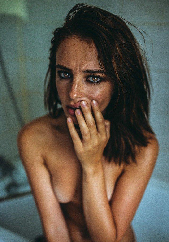 Tess Georgia Dimos Nude 7