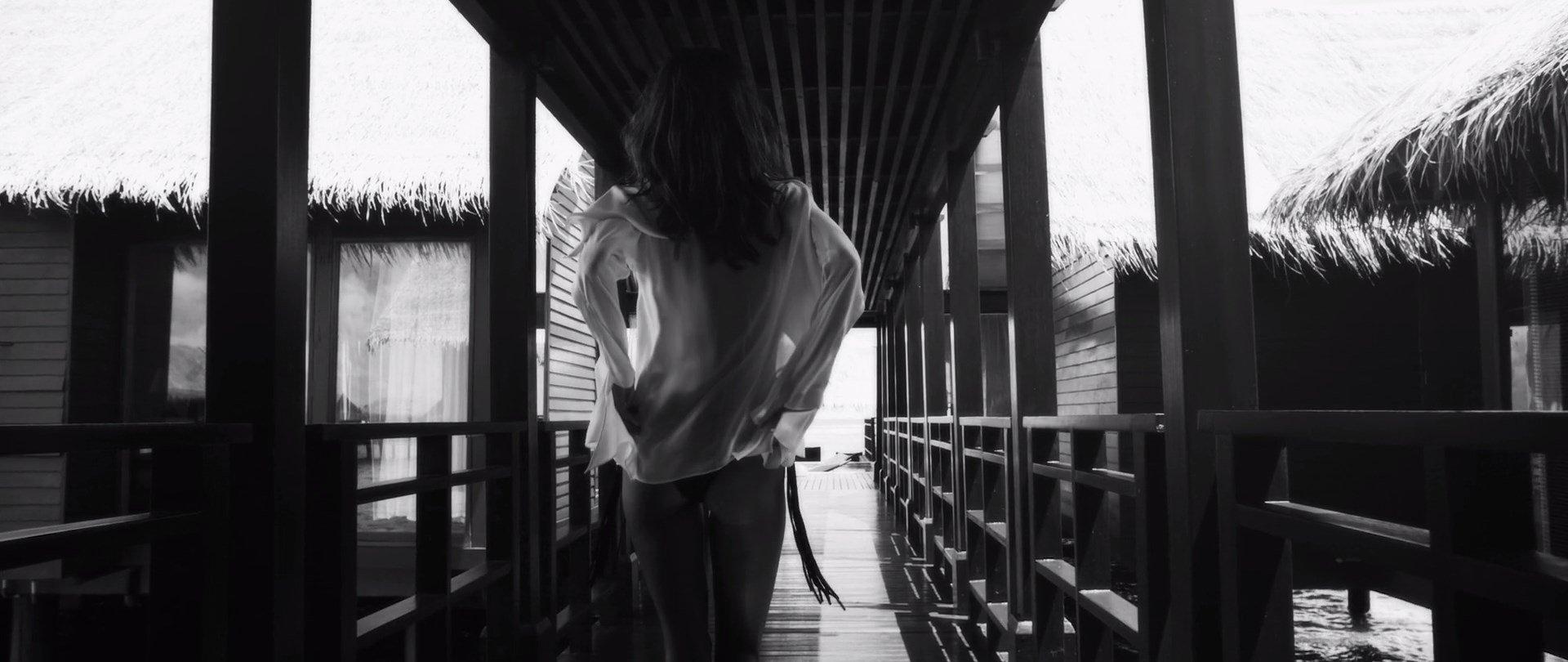 Alessandra Ambrosio Nude Video 56