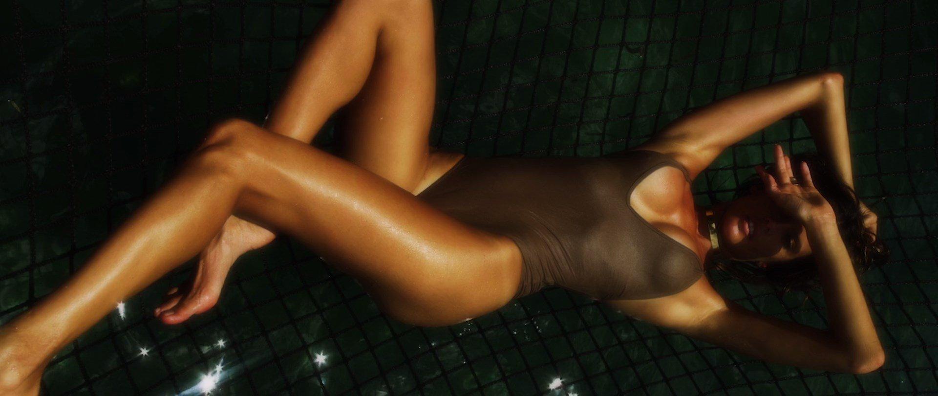 from Taylor sexy alessandra ambrosio naked