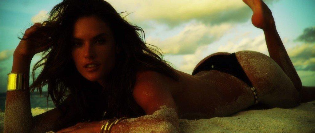 Alessandra Ambrosio Nude & Sexy (127 Photos + 2 Videos)