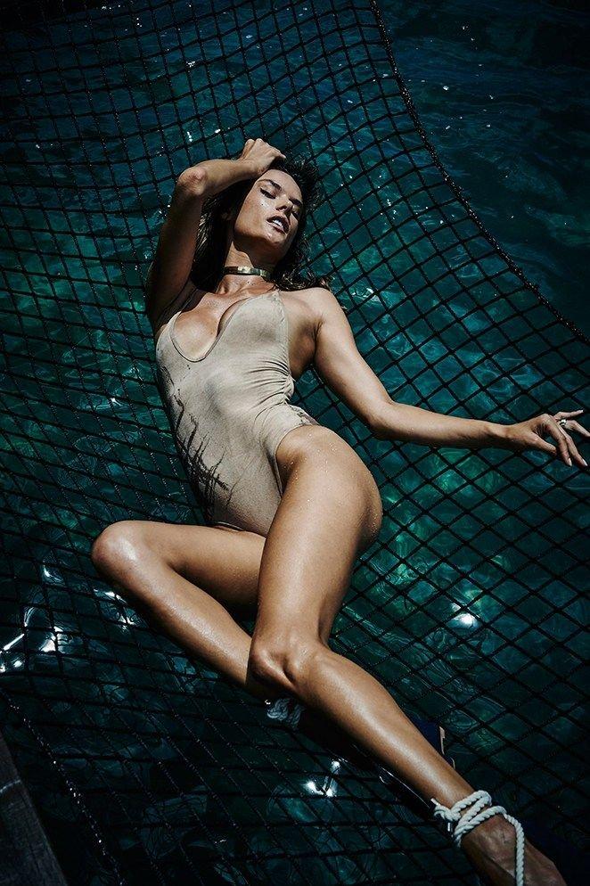 Alessandra Ambrosio Nude Sexy 6