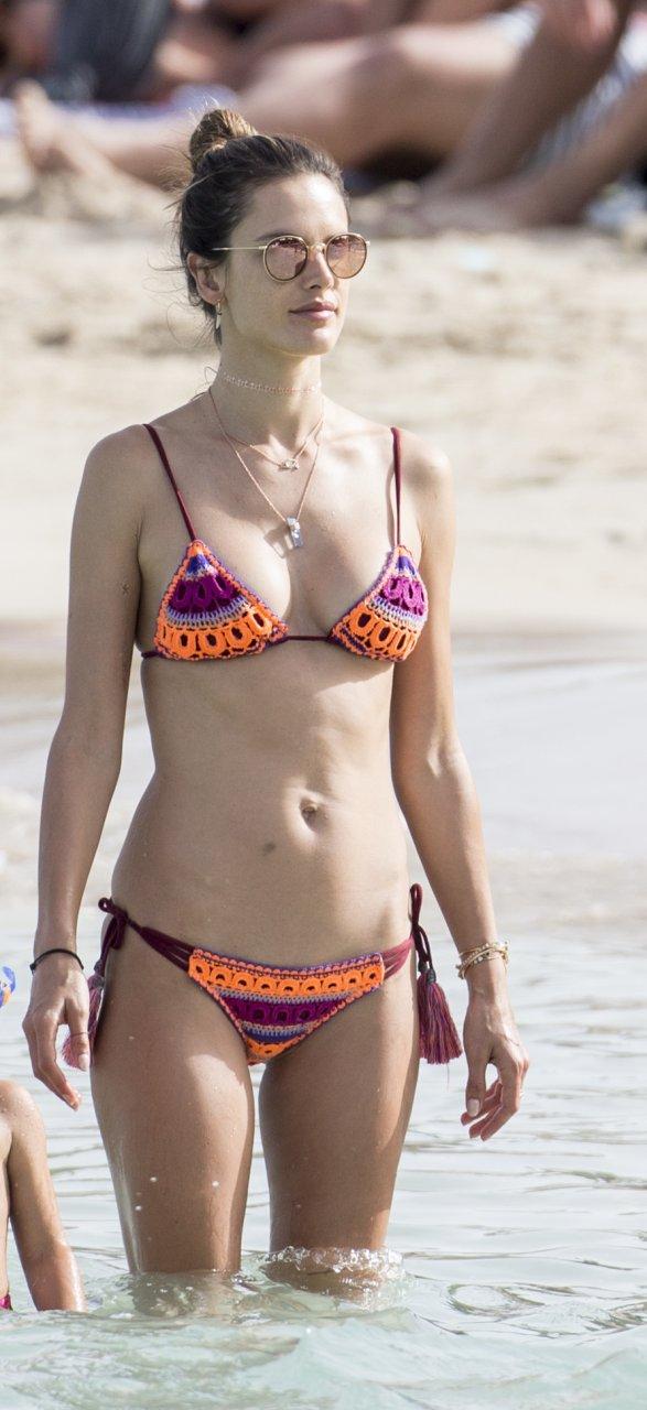 Alessandra ambrosio free nude pics