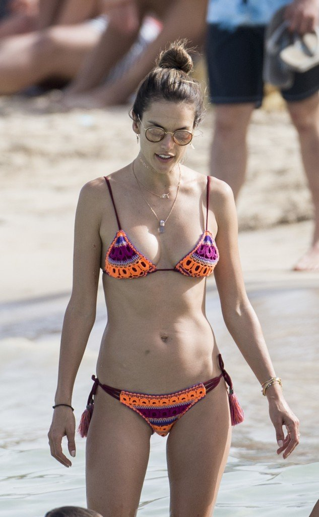 Alessandra Ambrosio Sexy 11