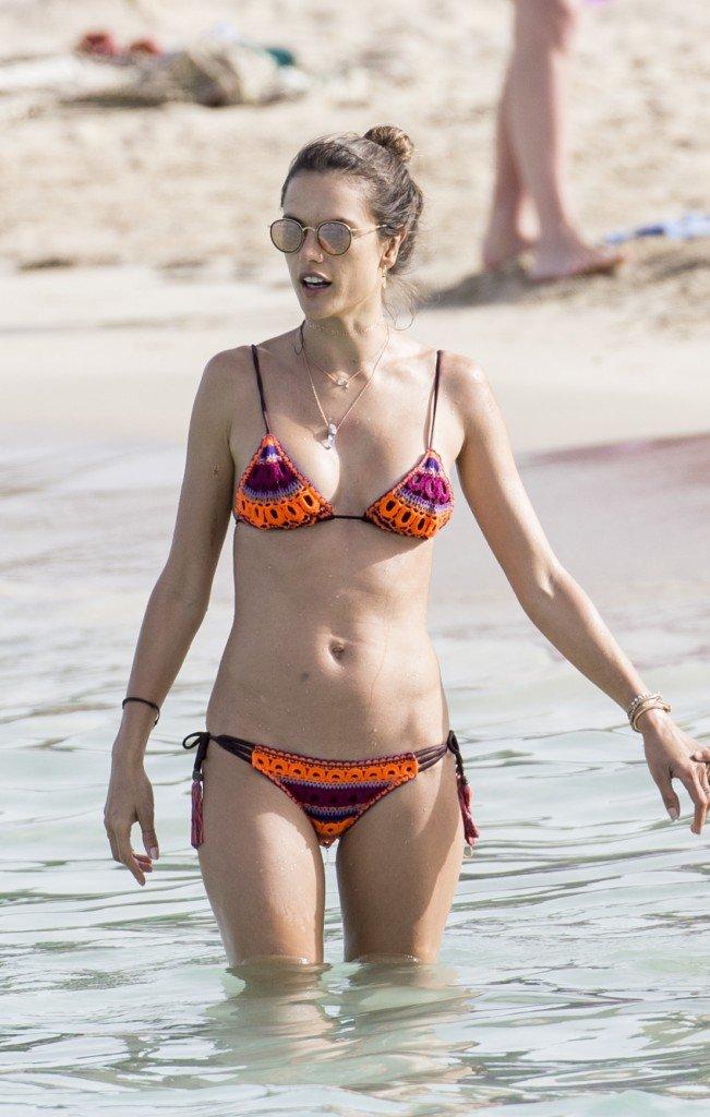 Alessandra Ambrosio Sexy 14