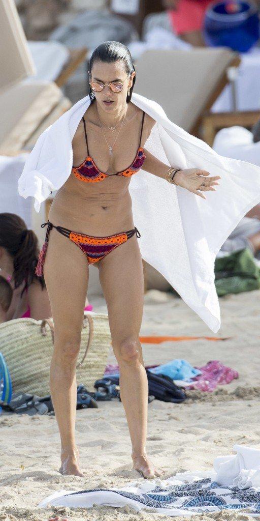 Alessandra Ambrosio Sexy 18