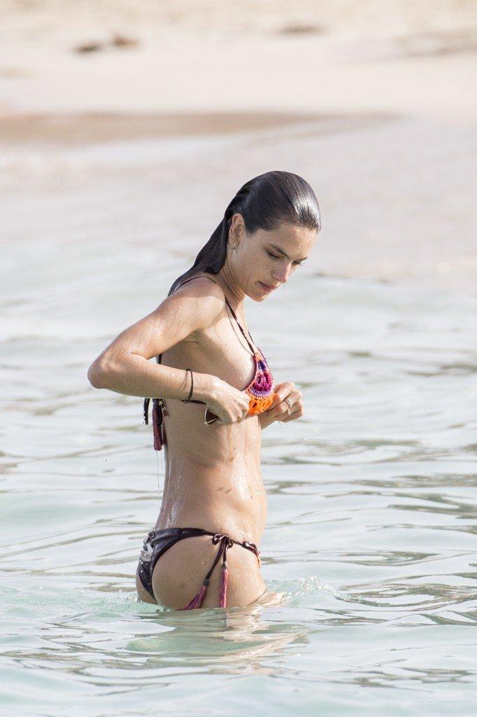 Alessandra Ambrosio Sexy 24