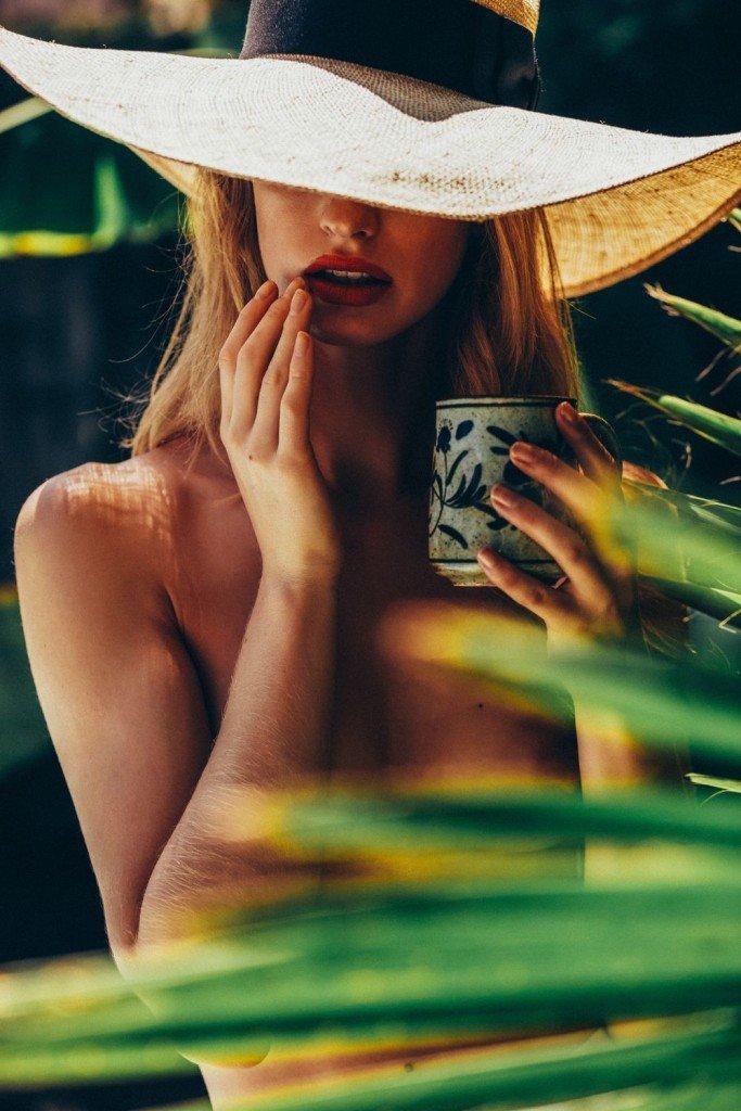 Alice Cornish Sexy & Topless 10
