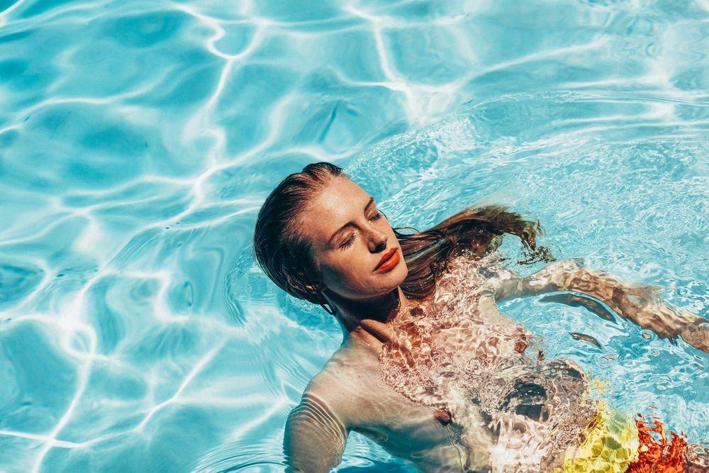Alice Cornish Sexy & Topless 20
