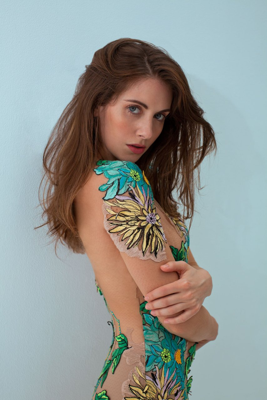 Alison brie born german dub 6