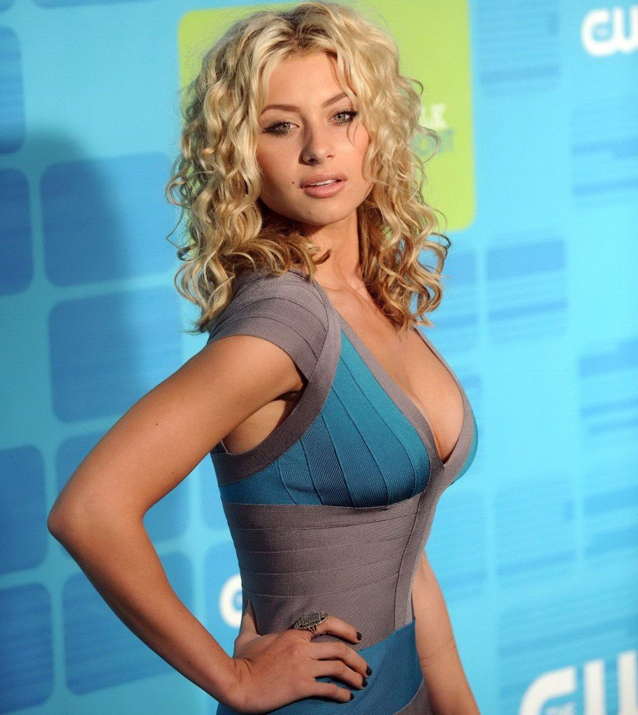 Poll: Aly Michalka vs. Christina Aguilera