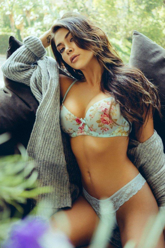 Ariany Celeste Nude 89