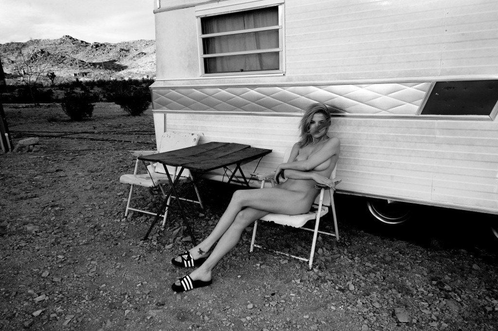 Ashley Smith Nude & Sexy 5