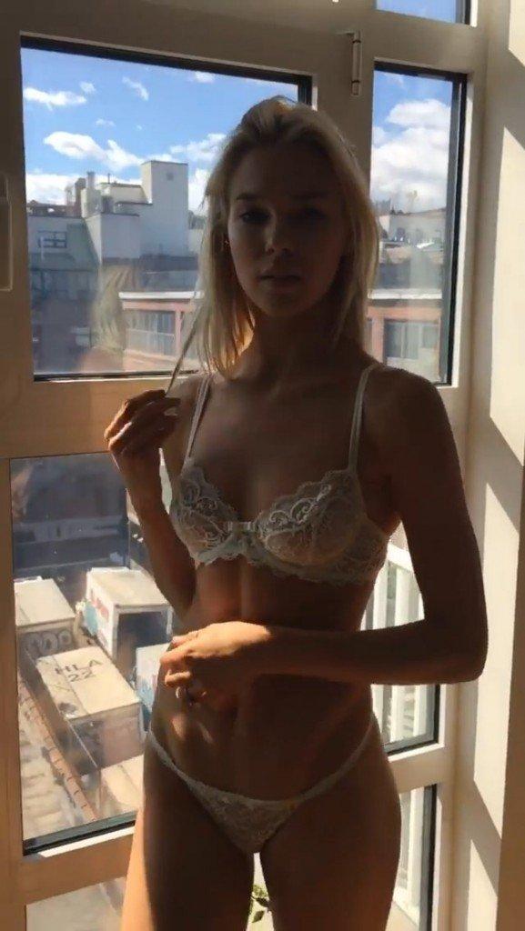 Britt Maren Nude Sexy BTS 6