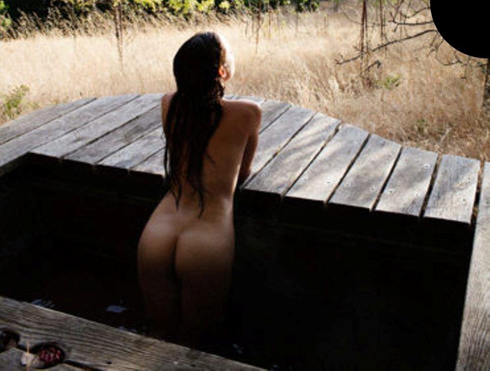 Christina Masterson Nude (6 Photos)