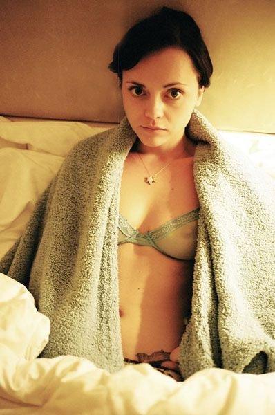 Christina Ricci Topless & Sexy 1