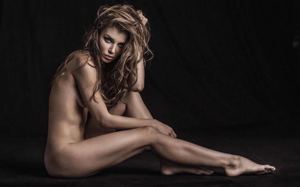 Daria Konovalova Nude & Sexy 1