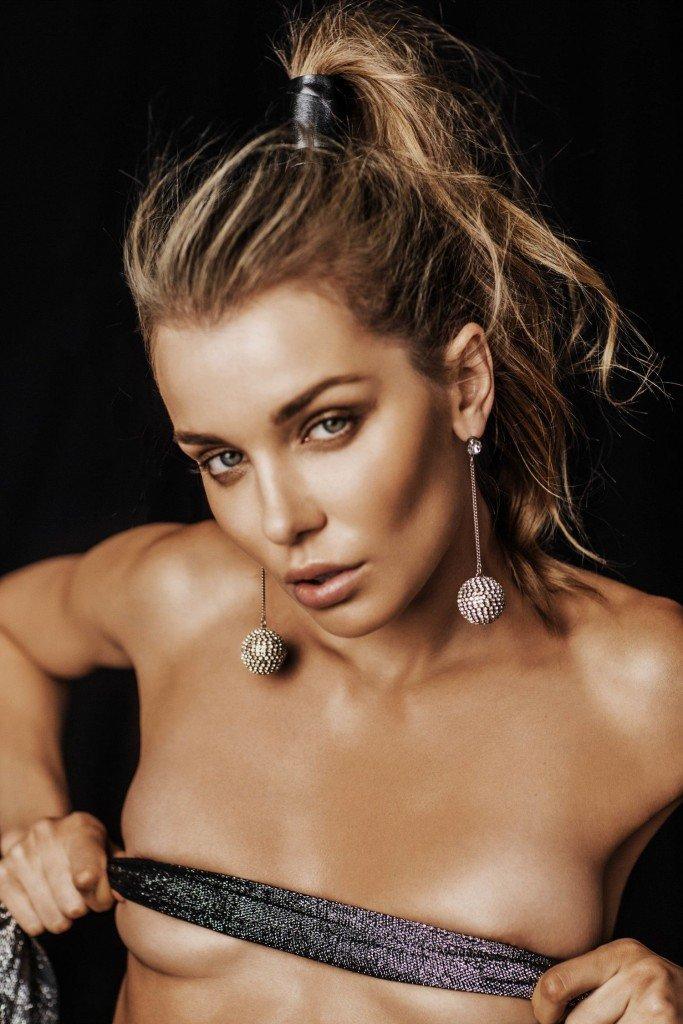 Daria Konovalova Nude & Sexy (5 Photos)