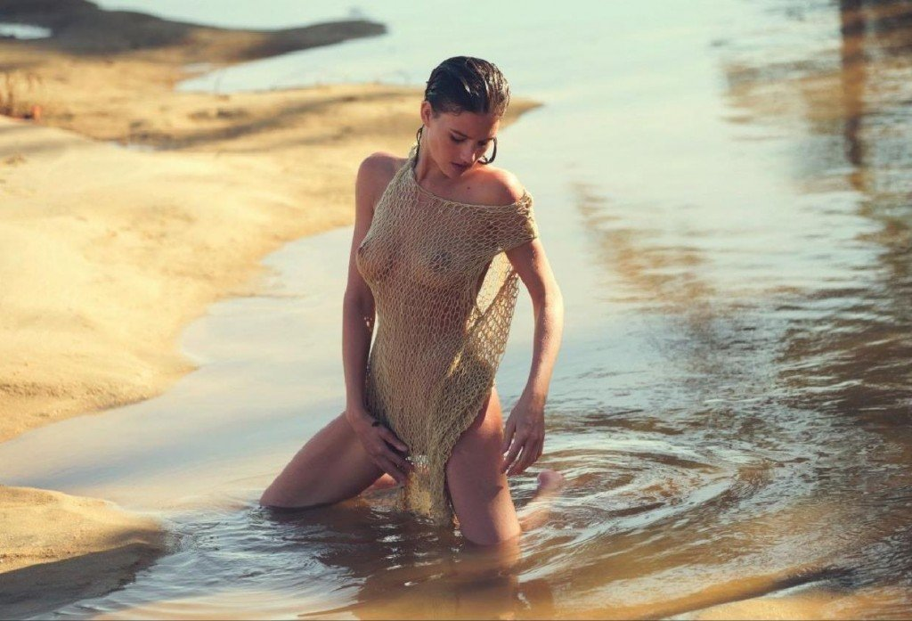 Eliza Cummings Nude (6 Photos)