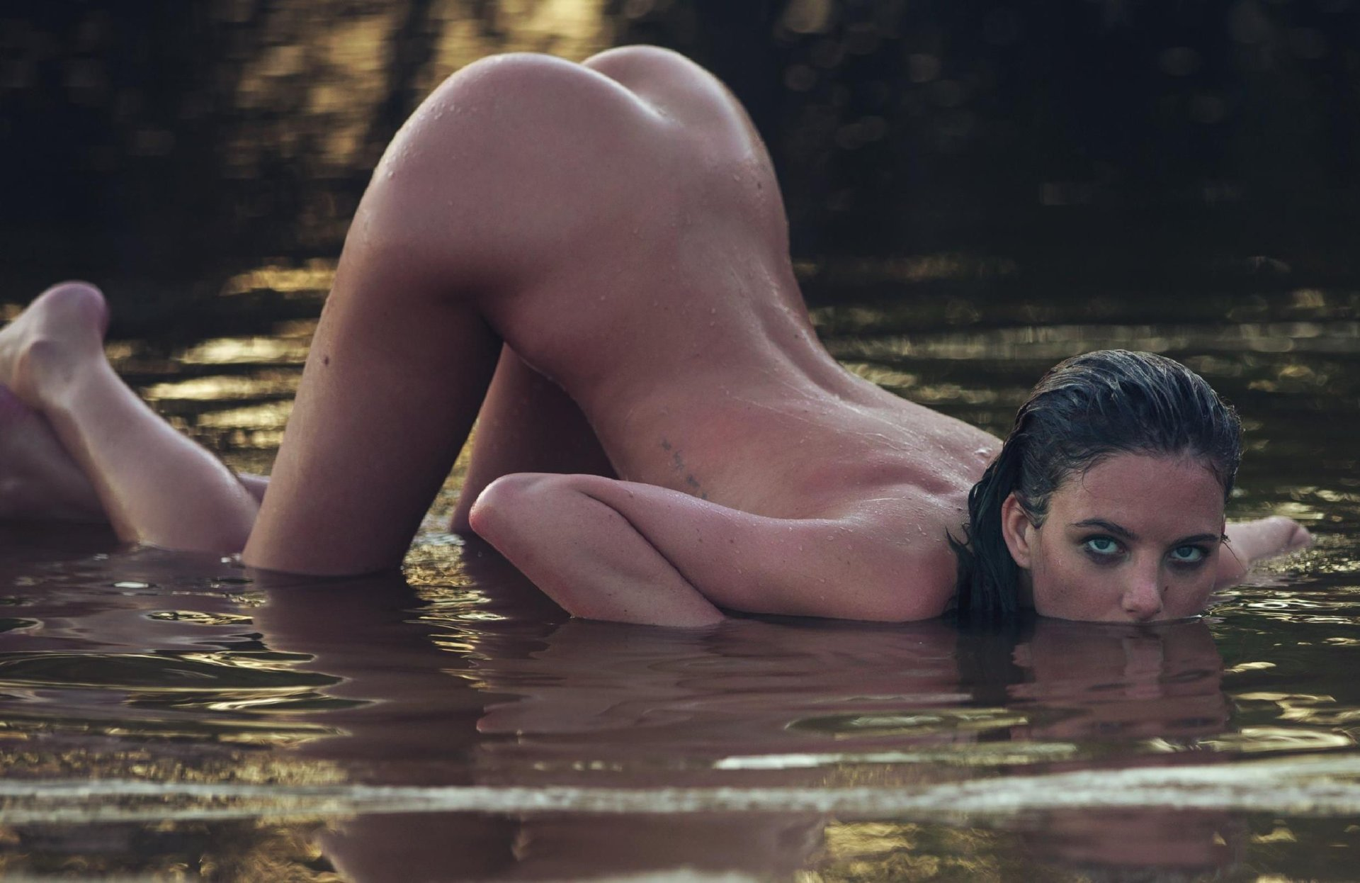 Eliza Hope Bennett Nude